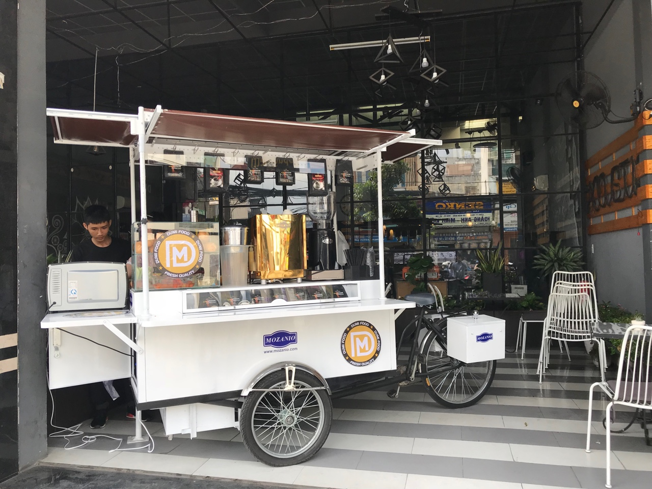 Mẫu xe cafe take away MozaBike của Mazanio